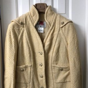CHANEL  09C Wool Blazer size 8